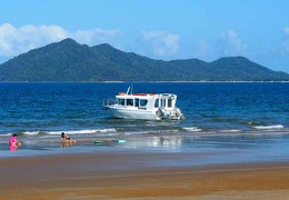 Dunk Island water taxi Mission Beach